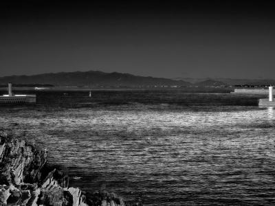 海景 ひたすら向き合う灯台 20170207_3087 Jogashima