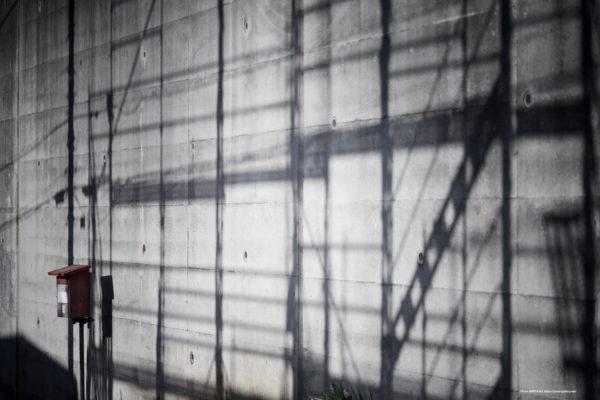 Past Light 20-001 ある壁